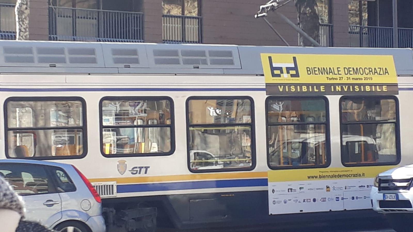 Vieni a BD con bus e tram!